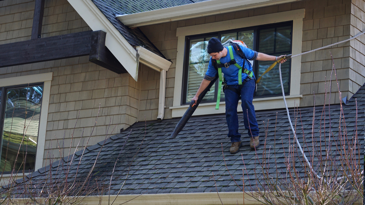 Roof Amp Gutter Cleaning Gig Harbor Clean Amp Clear Windows